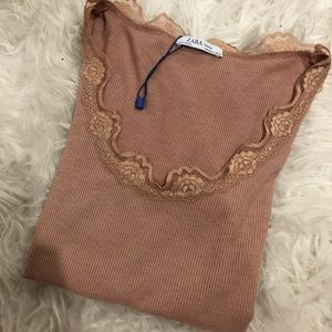 NWoT Woman Zara Top Size Small-Pink